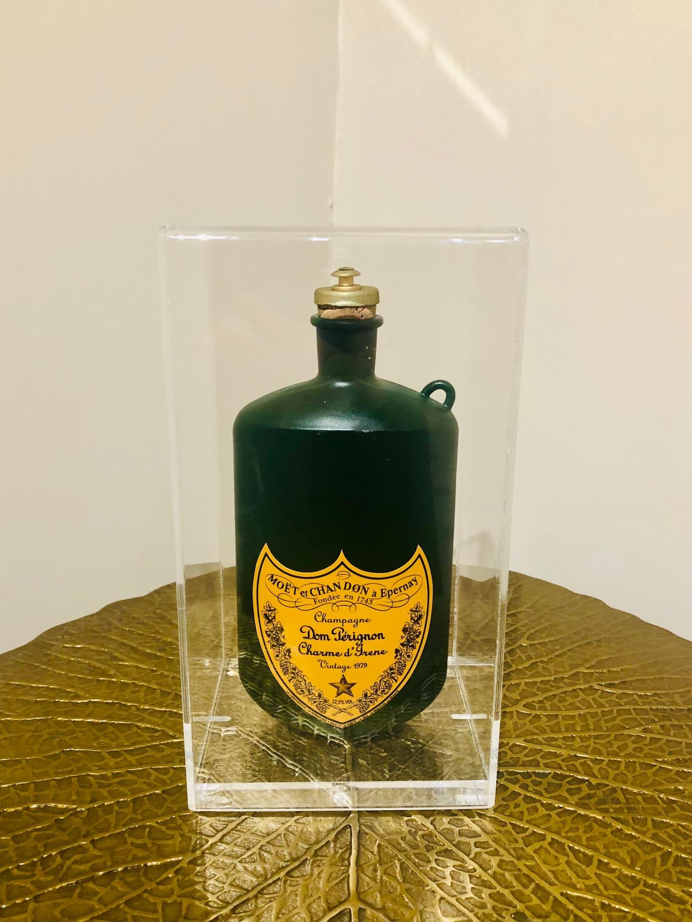 Borraccia Champagne, 2020, tecnica mista, 23 x 13 x 11 cm