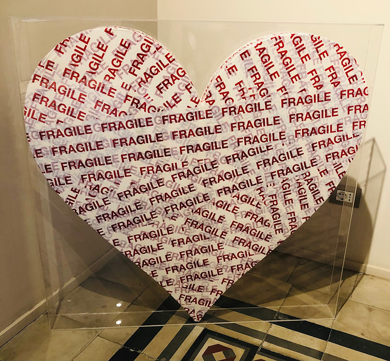 Cuore Fragile, 2020, tecnica mista, 100 x 100 cm