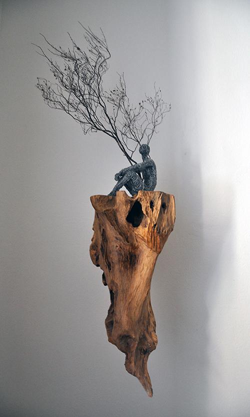 The whole, 2020, filo di ferro zincato, legno, 95 x 40 x 40 cm
