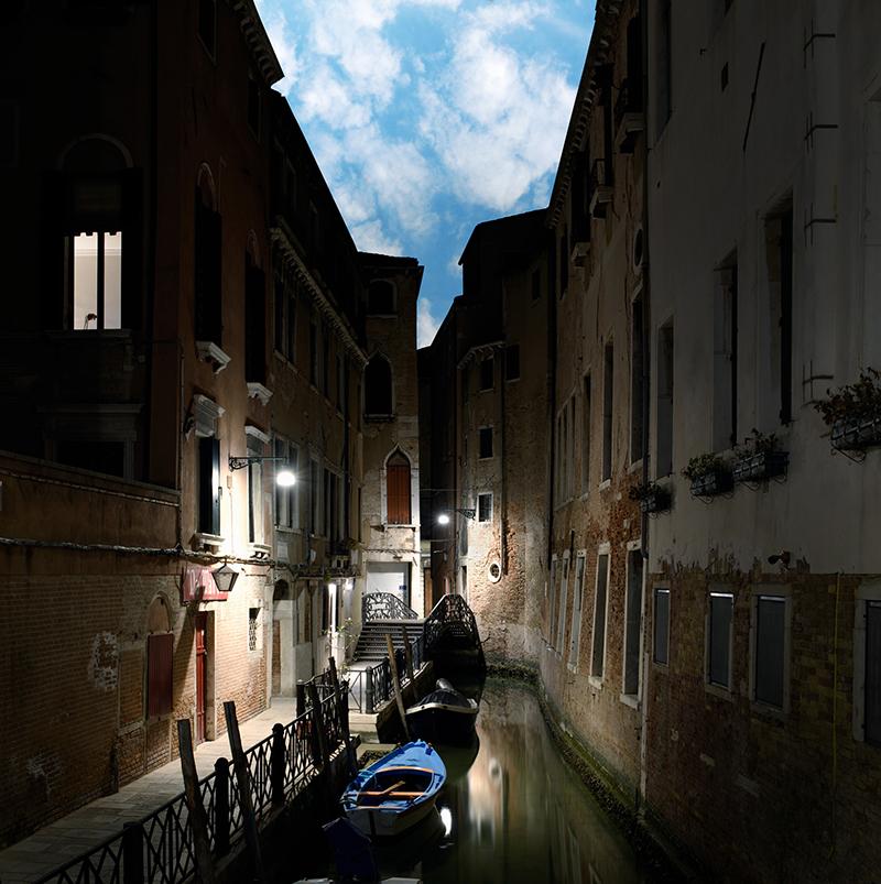 Daydreaming Venezia 01, 2021, archival pigment print su d-bond e cornice, misure realizzabili, 110 x 110 / 150 x 150 cm