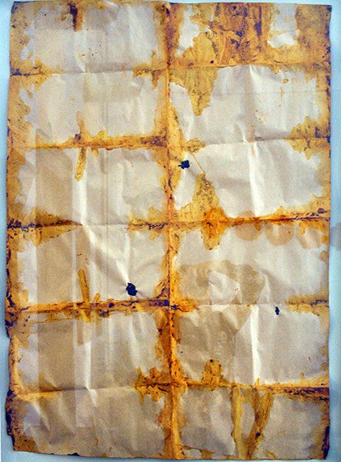 Senza titolo, tecnica mista e materiali naturali su carta da pacco, 95 x 70 cm